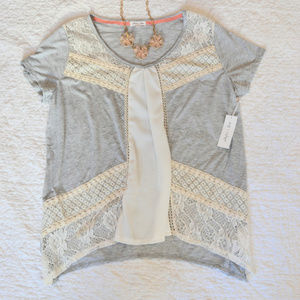 4/$20 Skyler & Jade Flowy Top with Lace